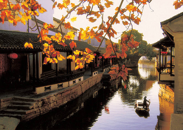 Jinxi is an ancient water town, it is located to the south Kunshan city in Jiangsu province and around 35 km to the west of Suzhou, and with convenient access to main motorways which link it to Shanghai Hongqiao Airport.
